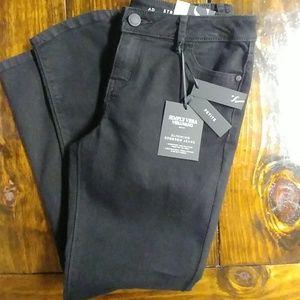 Simply Vera Vera Wang Size 6P Stretch Jeans!NWT!!